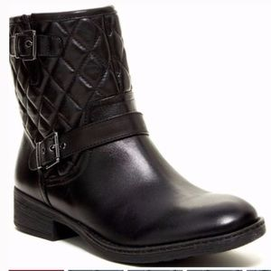 Arturo Chiang Sarabeth quilted booties black 7.5
